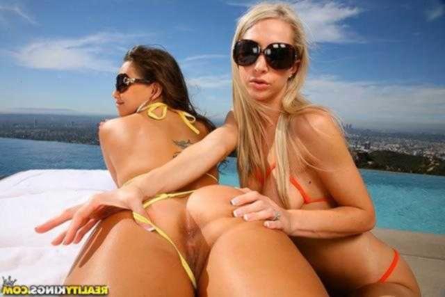 Лесбиянки в бикини
