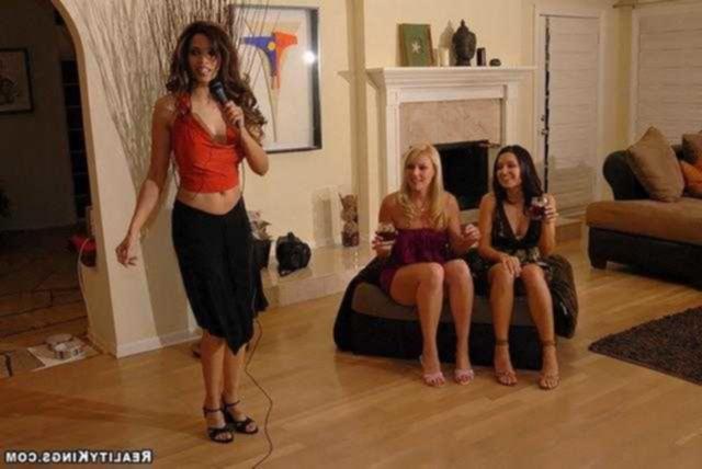 Три весёлые подружки