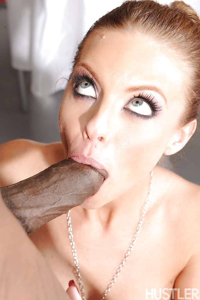 Britney Amber отсосала чернокожему мужику и приняла сперму на лицо | порно фото бесплатно на sexy-kiska.info