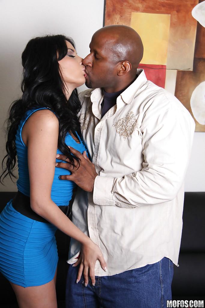 Черный парень отодрал раком сексуальную модель с большими сиськами | порно фото бесплатно на sexy-kiska.info