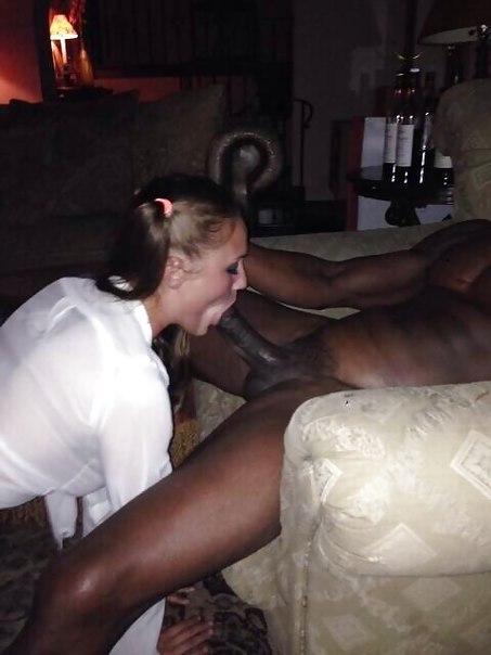 Сексуальные телки с упругими сиськами отсасывают большие члены негров и трахаются с ними | порно фото бесплатно на sexy-kiska.info