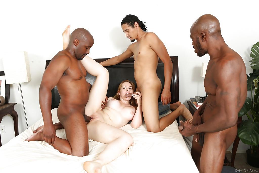 Kristen Kross отсасывает троим мужикам и занимается с ними групповым сексом | порно фото бесплатно на sexy-kiska.info