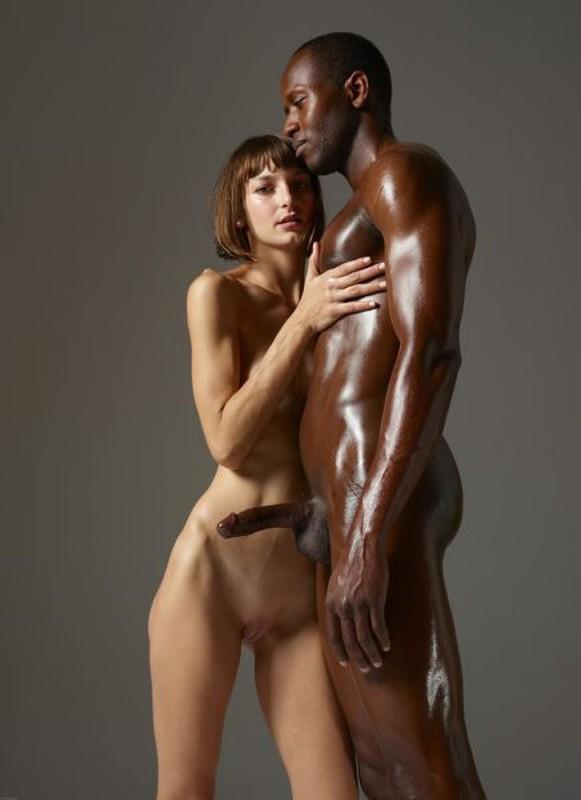 Худая телка ласкает член чернокожего партнера перед камерой | порно фото бесплатно на sexy-kiska.info