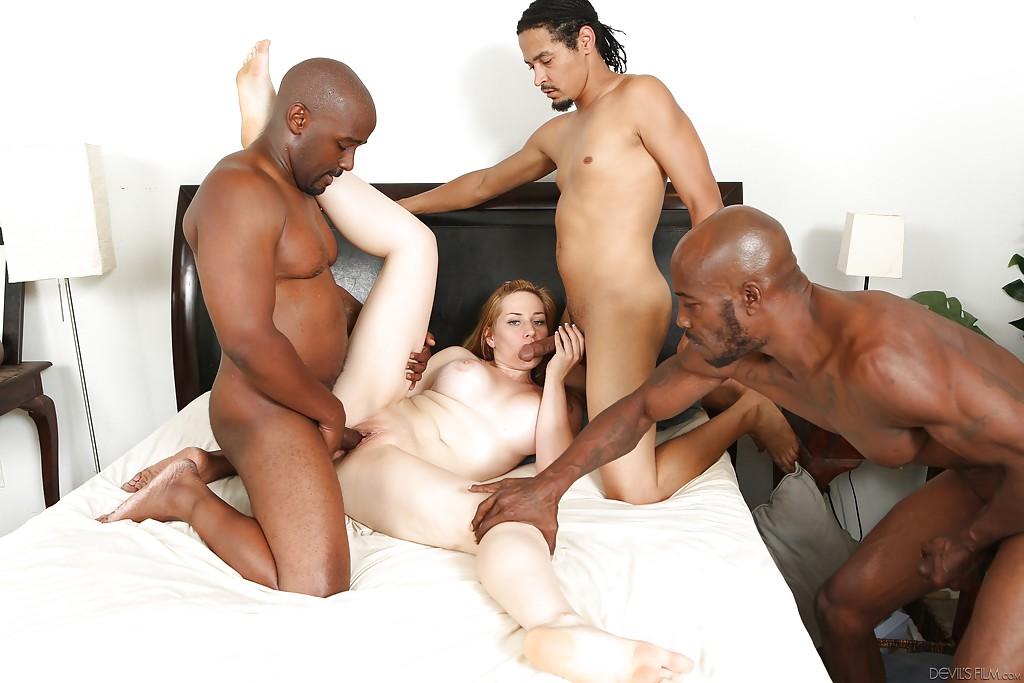 Три негра отодрали белую телочку во все щели | порно фото бесплатно на sexy-kiska.info