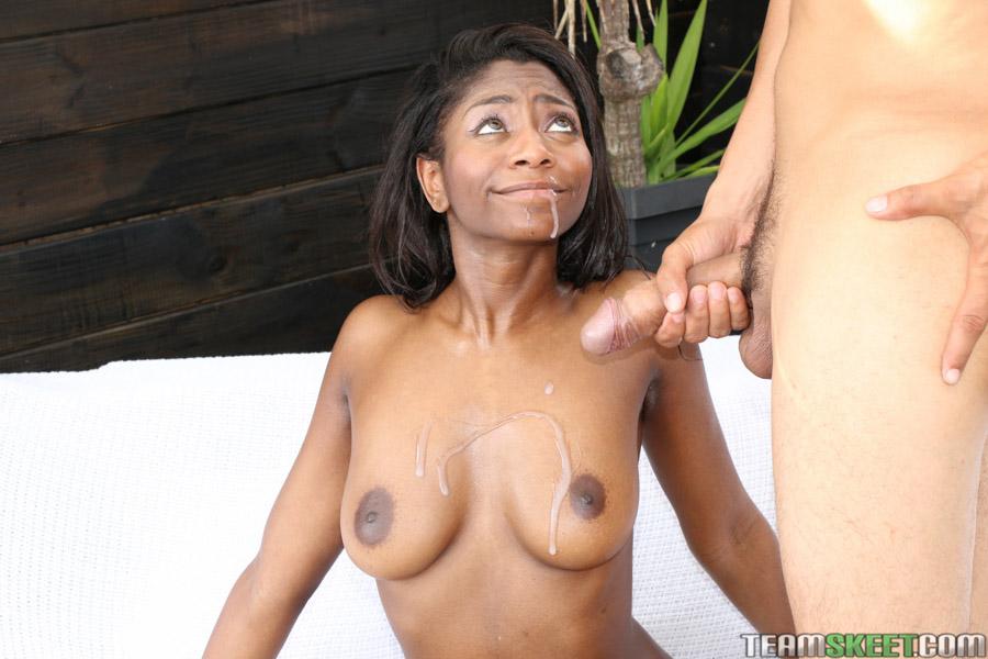 Lexi Rose жестко трахнулась с соседом на веранде | порно фото бесплатно на sexy-kiska.info