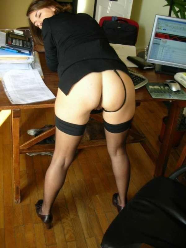 Начальница соблазнила офисного работница