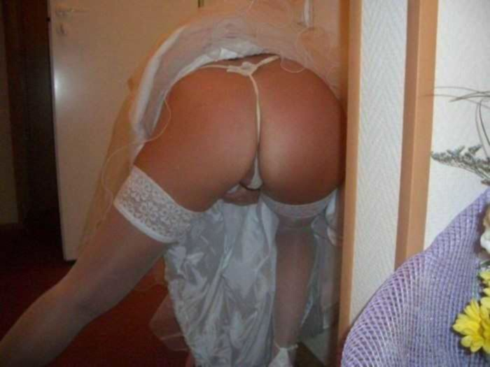 Девушки в нижнем белье демонстрируют свои сексуальные тела